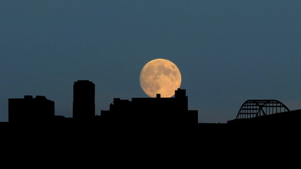 Arkansas Little Rock moonrise