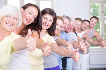 glückliche sportgruppe