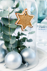 Simple christmas decoration for dinner table centerpiece