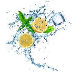 Lemons in water splash