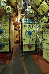 Submarine battery