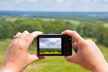Taking a photo with a compact camera