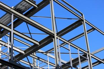 Poutres et madriers de construction métallique