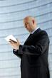 Uomo d'affari con tablet