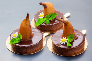 Cakes with pear