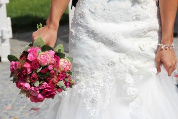 wedding flower bouquet red rose white green II
