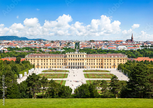 Foto op Canvas Wenen Beautiful view of Schloss Schönbrunn in Vienna, Austria