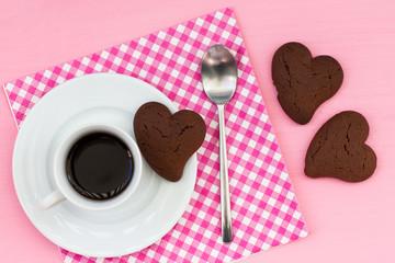 Caffè con biscotti al cacao
