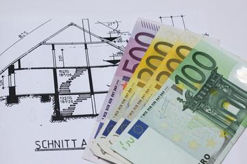 Euroscheine für den Hausbau