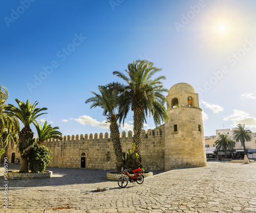 Foto op Aluminium Tunesië A large mosque in the town of Sousse in Tunisia against the back