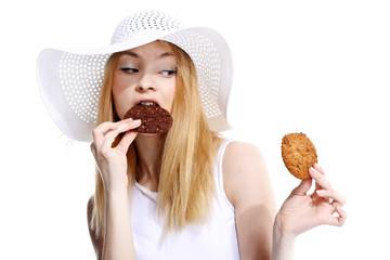 kobieta je ciastko