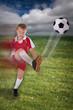 junger Fussballspieler mit Trikot