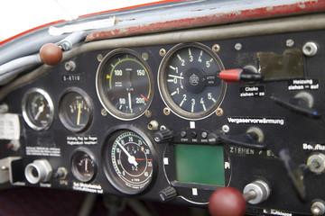 Cockpit in einem Flugzeug
