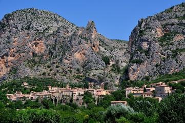 Village  Moustiers Sainte Marie