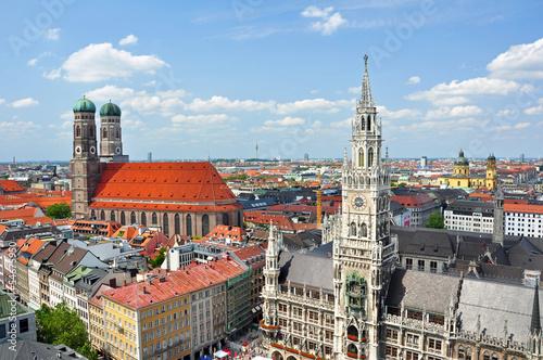 canvas print picture München mit Rathaus und Frauenkirche