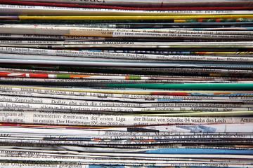 Zeitungen und Prospekte Ausschnitt