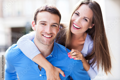 Leinwanddruck Bild Happy young couple