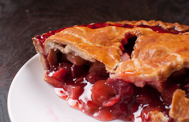 Berries and rhuharb pie crust