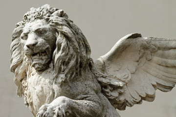 winged venetian lion sculpture