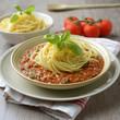 Sojaschnetzel-Bolognese mit Spaghetti