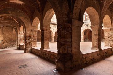 chiostro di San Francesco, Suvereto, Italy