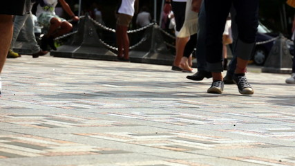 歩く人 イメージ