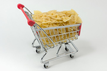shopping-cart with farfalle