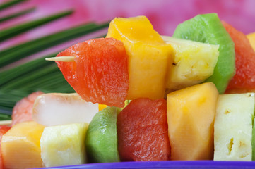 Mixed fruits  on skewers -Spiedini di frutta fresca