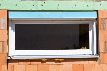 Fenster in einem Neubau