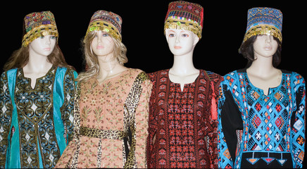 Mannequins displaying traditional Turkish costumes