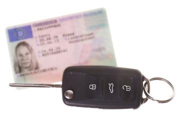 Autoschlüssel und Führerschein
