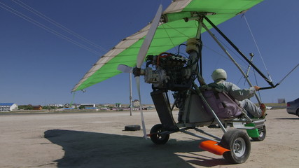 Motorized hang glider ready to fly