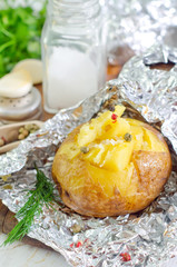 baked potato in foil
