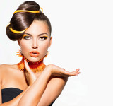 Fototapety Fashion Model Girl Portrait with Yellow and Orange Makeup
