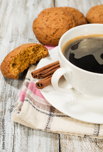 black coffee and oatmeal cookies