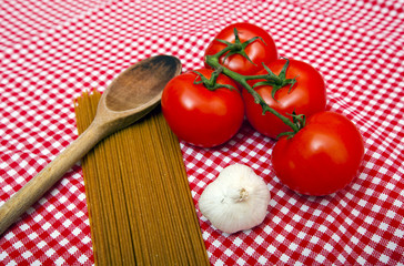 Spaghetti, Garlic and Tomato home cooking ingredients