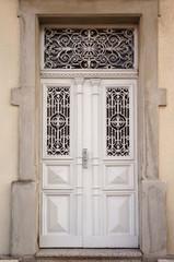 Verzierte Tür mit Schmiedeeisen