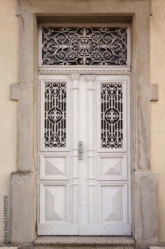 Verzierte Tür mit Schmiedeeisen Poster