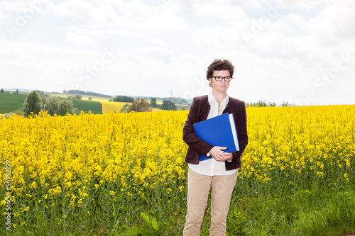 Agraringeneur at the rape field