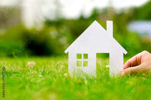 Leinwandbild Motiv Hand hold house