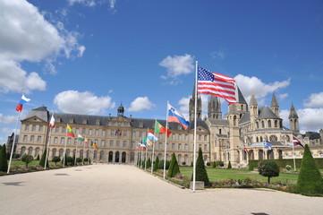 Esplanade Jean-Marie Louvel et l'Abbaye aux Hommes 2, Caen