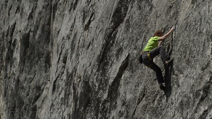 climber falls of difficult route