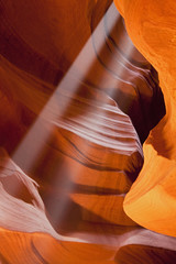 USA, Arizona, Upper Antelope Canyon, Sonnenstrahlen