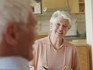 Deutschland, Köln, älteres Paar, Senioren in Pflegeheim