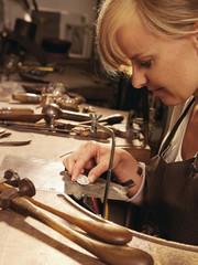 Goldsmith macht Herstellung von Schmuck