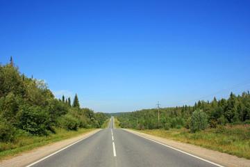 Пустынная асфальтированная дорога