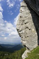 Deutschland, Bayern, Chiemgau, Gederer Wand, Mann Freeclimbing