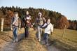 Deutschland, Bayern, Familienwanderung