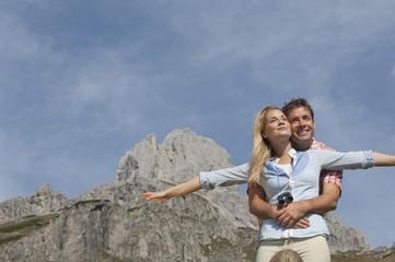 Österreich, Salzburg Land, Filzmoos, Mann und Frau vor der Bischofsmütze Berg