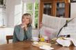 Deutschland, Kratzeburg, älteres Paar, Senioren am Frühstückstisch